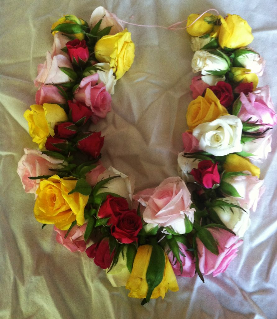 Rose lei garland