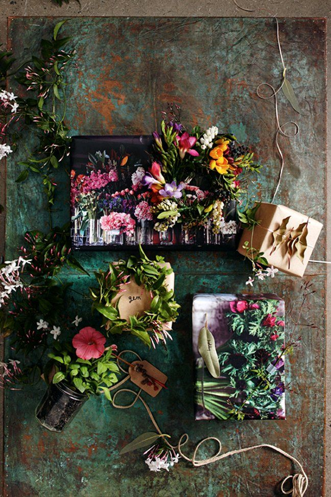 bohemian style wrapping with flowers