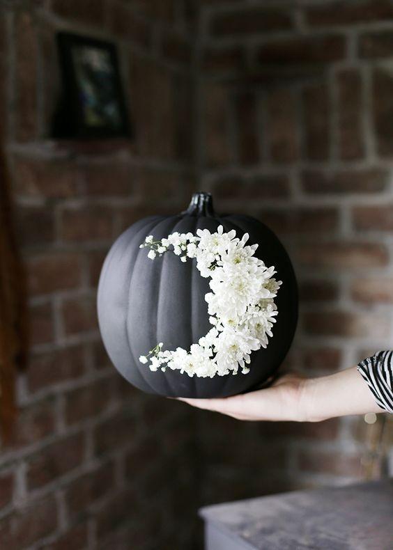 no carve moon pumpkin